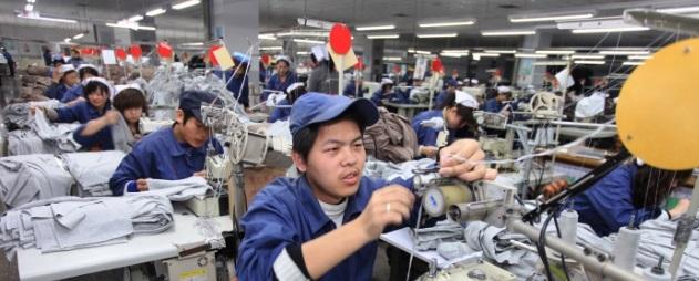 Des travailleurs chinois au travail